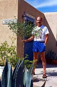 Dave with his tall Arizona chiltepin