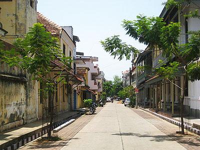 A street scene in Pondicherry