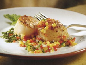 Red Chile Scallops with Cool Mango-Mint Salsa