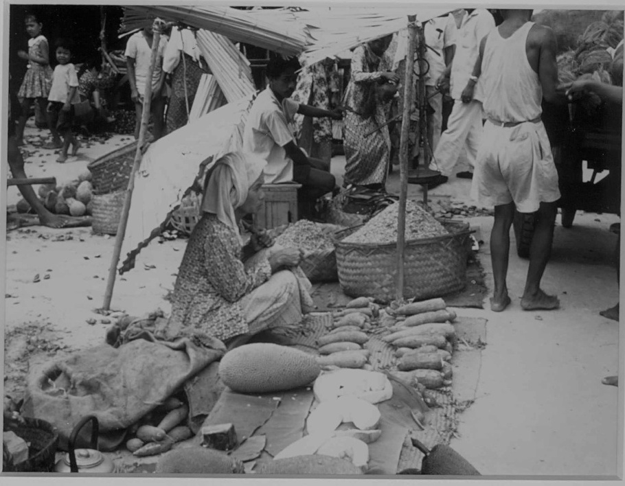 Market in Sumatra selling curry ingredients