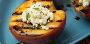grilled-peaches-goat-cheese-750x368