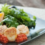 Grilled-Scallops-with-Roasted-Red-Pepper-Sauce