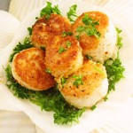 Grilled Scallops with Roasted Red Pepper Sauce