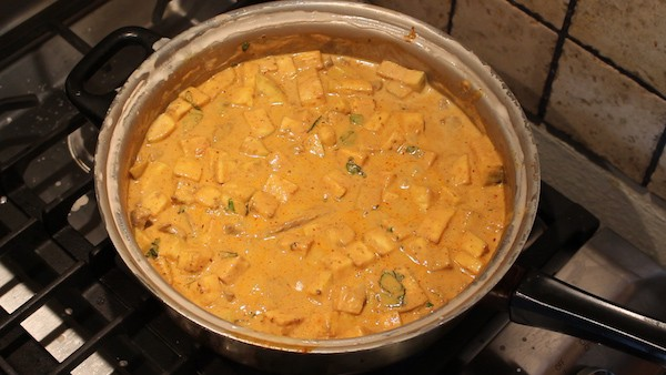 ... beef red curry thai queenstown food delivery spicy thai beef curry